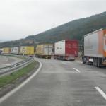 1-attente des poids lourds à la frontiére serbo-bulgare serbie 161 (Small) (Small)