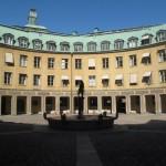 VISITE DE STOCKHOLM COUR INT2RIEUR D'IMMEUBLE