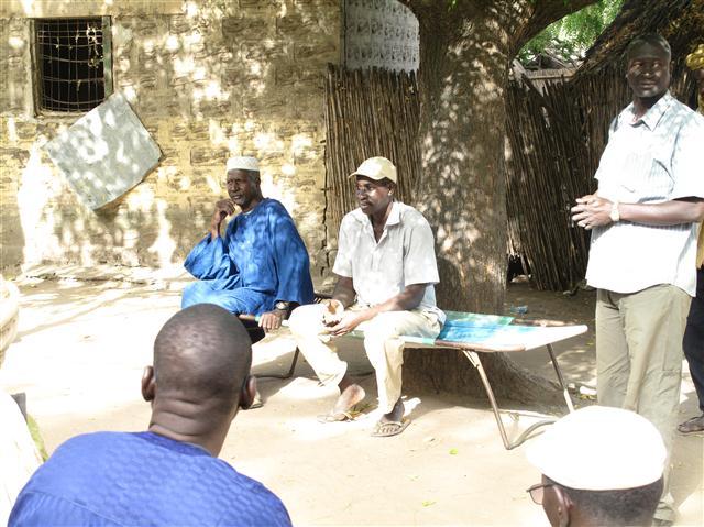 reunion de lancement avec le chef du village